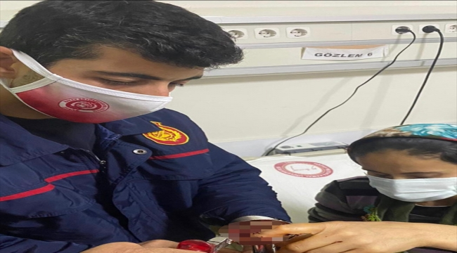 Hatay'da kadının mutfak robotuna kaptırdığı parmakları itfaiye ekiplerince kurtarıldı