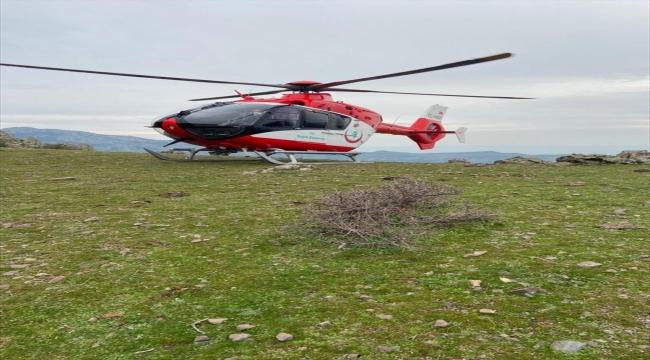 İzmir'de dağlık alanda düşerek yaralanan kadın hava ambulansıyla hastaneye kaldırıldı