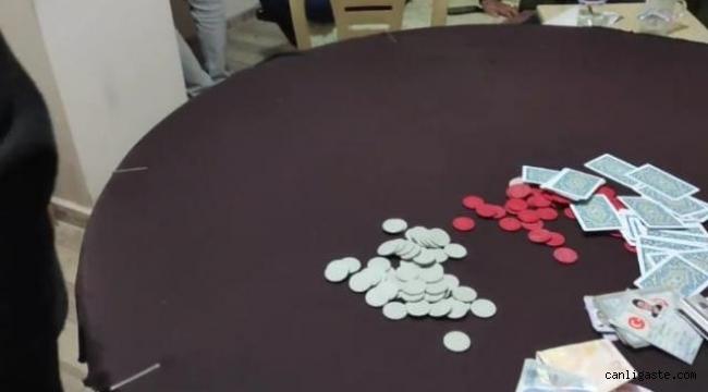 Kiraladıkları evde kumar oynayan 45 kişiye 88 bin 650 lira ceza