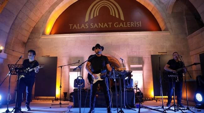 Talas Belediyesi'nin online konseri, canlı yayınla sanatseverlere ulaştı