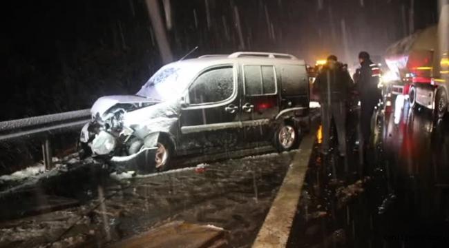 Anadolu Otoyolu'nda iki farklı trafik kazası: 3 yaralı