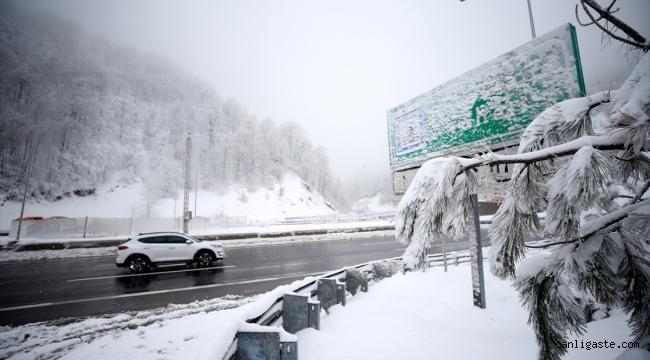 Bolu Dağı'nda kar kalınlığı yer yer 55 santimetreye ulaştı