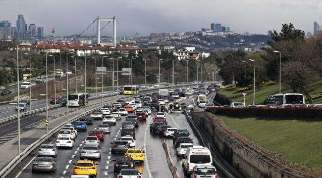 GÜNCELLEME 2 - İstanbul'da kar yağışı etkili olmaya devam ediyor