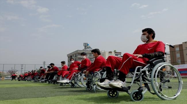 Katar Hayır Derneğinden Suriyeli engellilere akülü araç ve tekerlekli sandalye yardımı