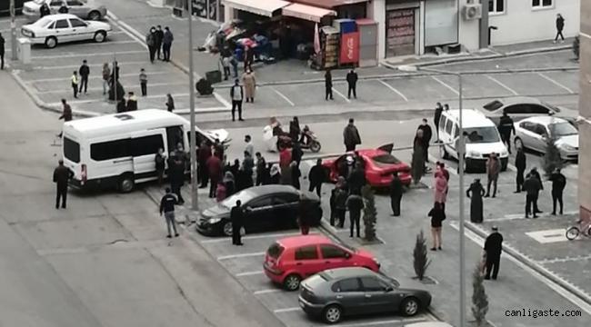 Kayseri'de diyaliz hastalarını taşıyan minibüs ile otomobil çarpıştı: 3 yaralı