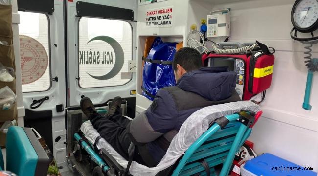 Kovid-19 testi pozitif çıkan baba ve oğlu, yolcu otobüsünden indirilip karantinaya alındı