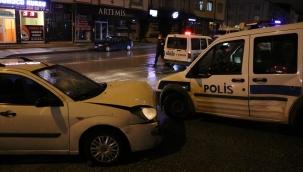 Polislerden kaçarken ateş açıp polisi yaralayan sürücü kolundan vurularak yakalandı