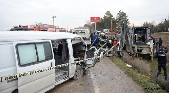Zincirleme trafik kazasında: 1 ölü, 5 yaralı