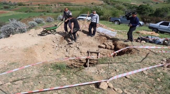 Adıyaman'da içerisinde 7 insan iskeleti olan oda mezar bulundu