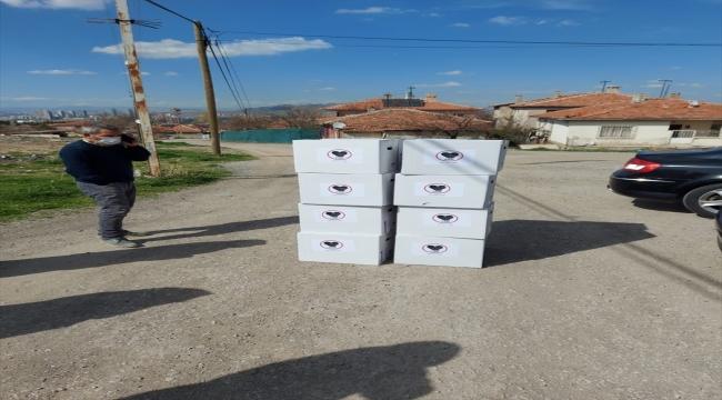 Arap ülkelerinin büyükelçilerinin eşlerinden Ankara'daki ihtiyaç sahibi ailelere ramazan kumanyası yardımı