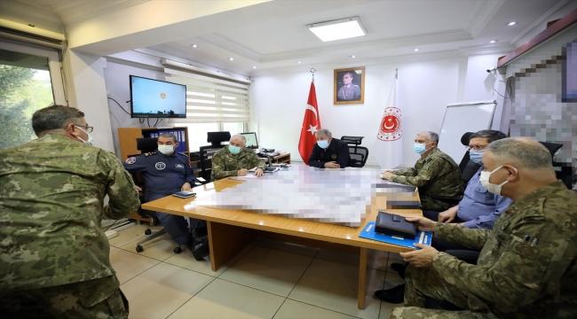 Bakan Akar, Pençe-Şimşek ve Pençe-Yıldırım operasyonlarında 31 teröristin etkisiz hale getirildiğini bildirdi