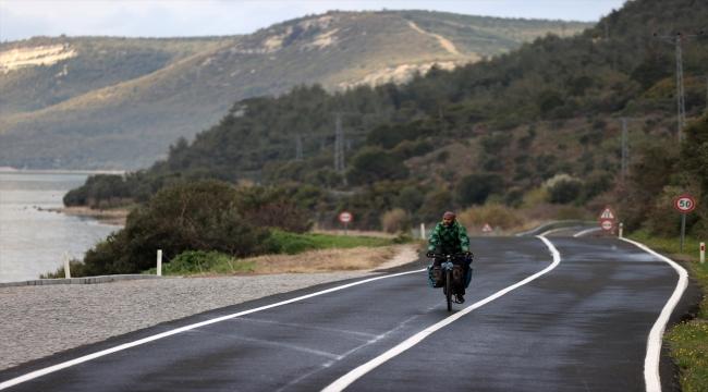 Bisikletle 85 bin kilometre kat eden Azerbaycanlı gezgin Çanakkale şehitliklerine ulaşmanın gururunu yaşıyor