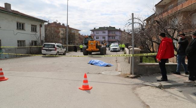 Bolu'da iş makinesinin çarptığı yaya hayatını kaybetti