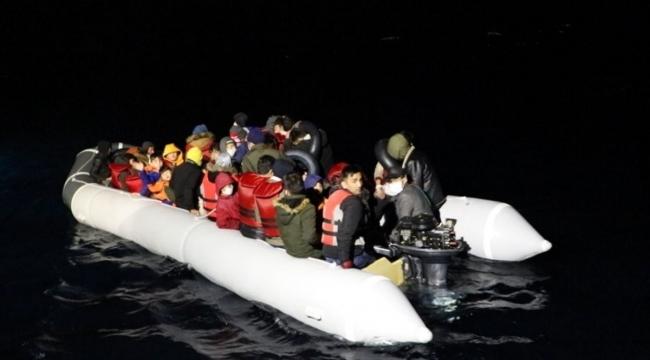 Çanakkale açıklarında Yunanistan unsurlarınca geri itilen 44 sığınmacı kurtarıldı