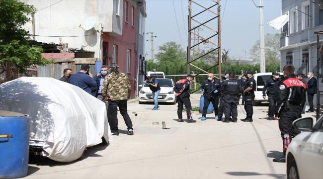 GÜNCELLEME - Bursa'da bir kişi tartıştığı komşusunu silahla yaraladıktan sonra kendisini vurdu