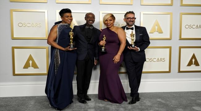 """GÜNCELLEME - Oscar'da en iyi film ödülünü """"Nomadland"""" kazandı"""