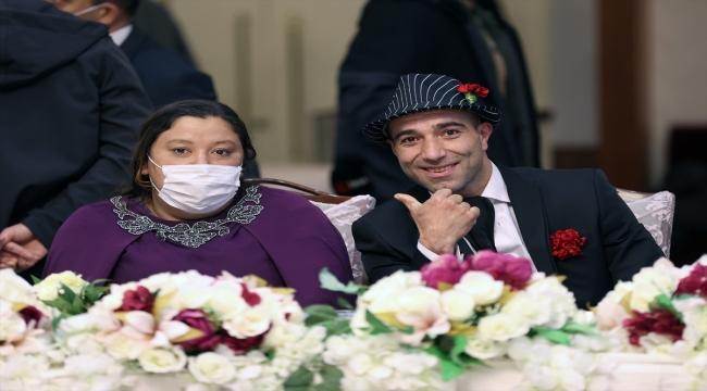 İstanbul'da 12 Roman çift, 8 Nisan Dünya Romanlar Günü'nde evlendi