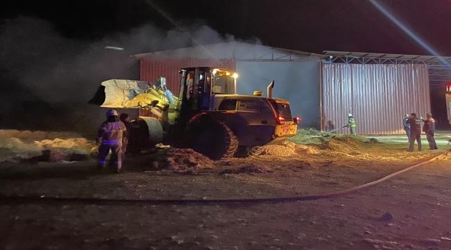İzmir'de saman deposunda yangın