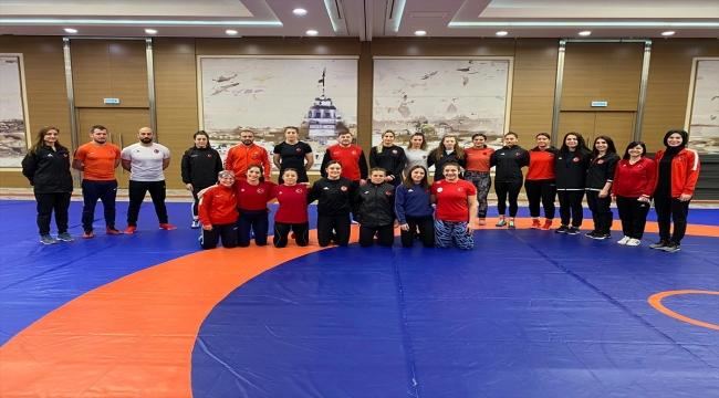 Kadın Güreş Milli Takımı, Avrupa Şampiyonası'nın hazırlıkları için kampa girdi