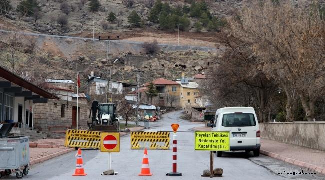 Kayseri'de 8 ev, heyelan riskine karşı tahliye edildi