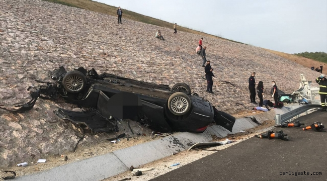 Kazakistan konsolosluğuna ait otomobil Kuzey Marmara Otoyolu'nda devrildi: 4 kişi öldü
