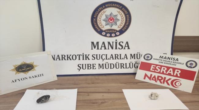 Manisa'da durdurulan araçta uyuşturucuyla yakalanan 2 kişi tutuklandı