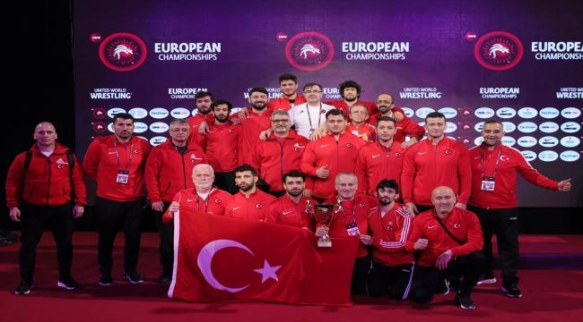 Milli güreşçiler, Avrupa Şampiyonası'nı 8 madalyayla tamamladı