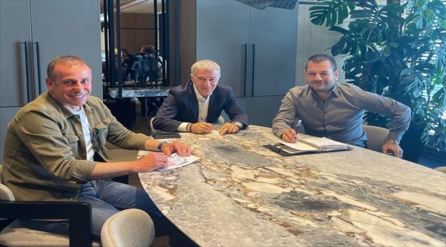 Trabzonspor Kulübü Başkanı Ağaoğlu, teknik direktör Avcı ile bir araya geldi