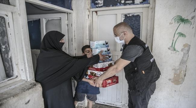 Tut Elimi Derneğinden , Hatay'da ihtiyaç sahibi 3 bin kişiye ramazan yardımı
