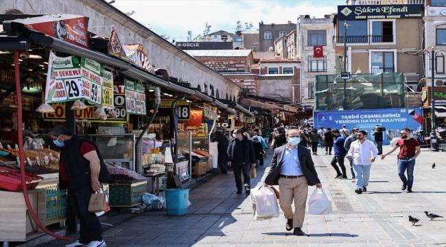 Bayram alışverişinin kalbi Eminönü ve Mısır Çarşısı sessiz
