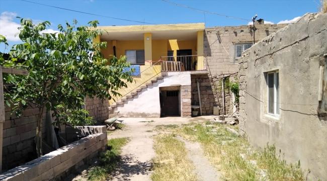 Kayseri'de annesi, babası ve kardeşini bıçakladığı iddia edilen şüpheli gözaltına alındı