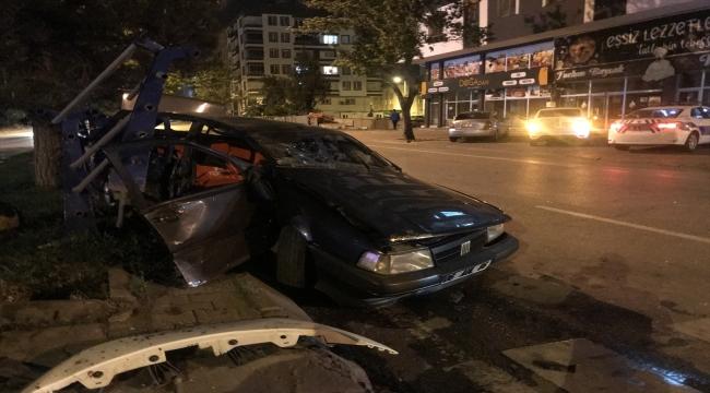 Kayseri'de iki otomobil çarpıştı: 1'i ağır 6 yaralı