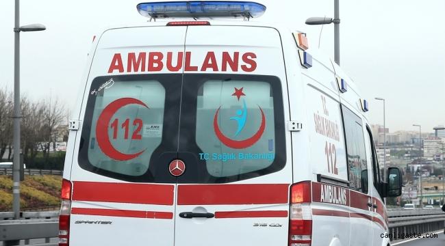 Kayseri'de yaslandıkları balkon duvarı yıkıldı: 3 yaralı