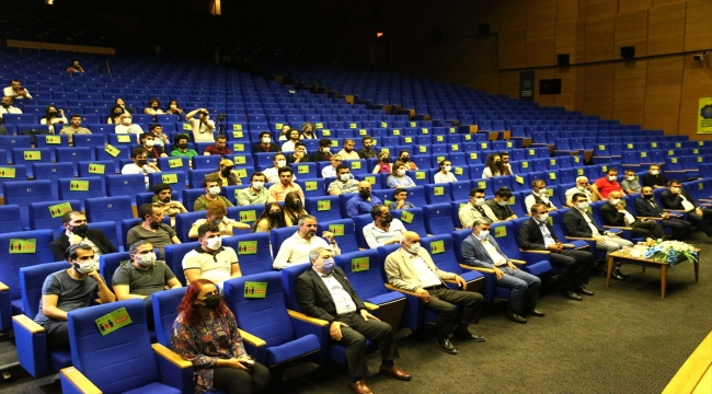 """""""1. Diyarbakır Kısa Film Festivali""""nin galası gerçekleştirildi"""