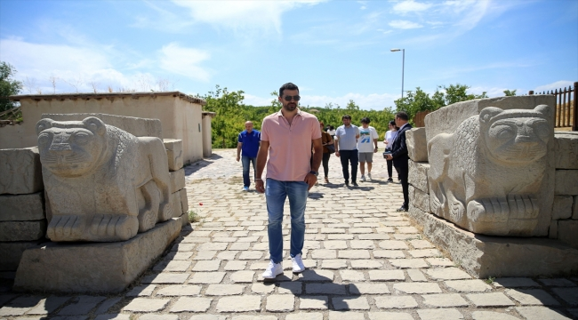 Anadolu Efes'in Hırvat oyuncusu Krunoslav Simon, kariyerini ve sezonu değerlendirdi:
