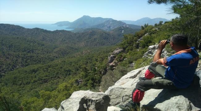 Antalya'da fotoğraf çekmek için gittiği dağlık bölgede kaybolan kişiyi arama çalışmaları sürüyor