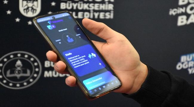 Bursa'da üniversite sınavına hazırlanan öğrencilere 300 bin soruluk çevrim içi uygulama desteği