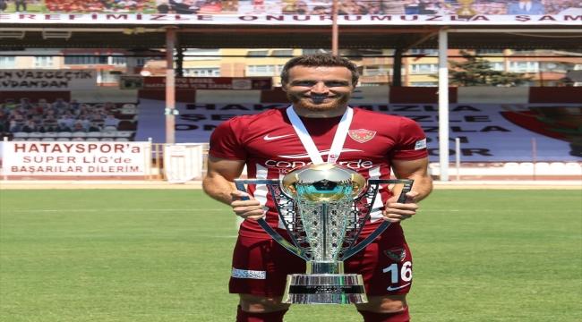 Hatayspor'da sözleşmeleri sona eren Akın Alkan ile Mesut Çaytemel takımdan ayrıldı