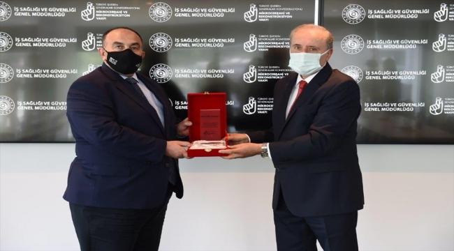 İş Sağlığı ve Güvenliği Genel Müdürü Uzunkaya'dan Mikrocerrahi ve Rekonstrüksiyon Vakfına ziyaret