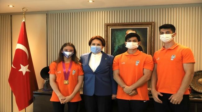 İYİ Parti Genel Başkanı Akşener, dünya şampiyonu milli sporcu Ayşe Begüm Onbaşı'yı kabul etti