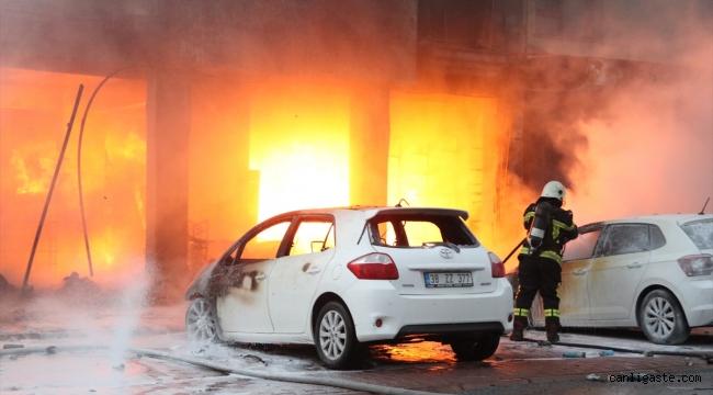 Kayseri'de apartman altındaki dükkanda çıkan yangın söndürüldü