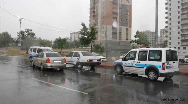 Kayseri'de dur ihtarına uymayan şüpheli kovalamaca sonucu yakalandı