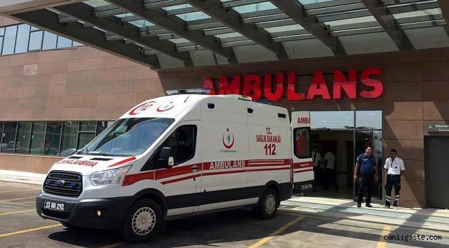 Kayseri'de otomobille kamyonet çarpıştı: 3 yaralı