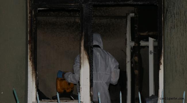 Kayseri Esenyurt'ta apartmanın zemin katında çıkan yangında hasar oluştu