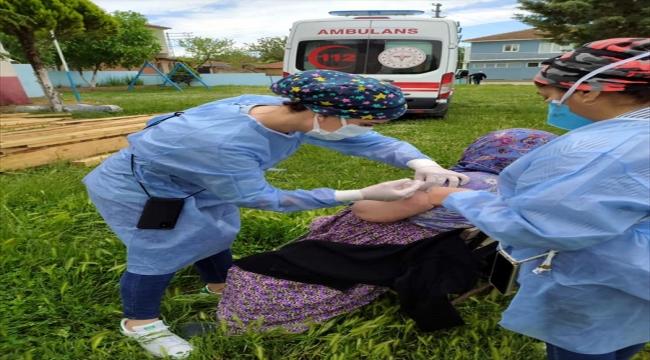 Kırklareli'nde köylerde aşılama çalışmaları devam ediyor