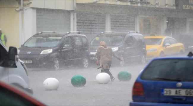 Kırklareli'nde kuvvetli sağanak geçişi 1 saatte metrekareye yaklaşık 24 kilogram yağış bıraktı