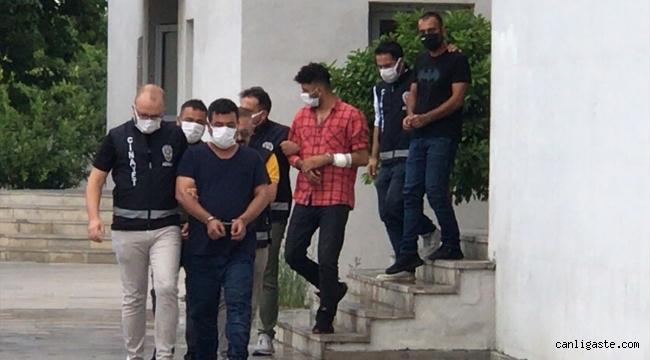 Kumar baskınında polise mukavemet gösteren 4 kişi gözaltına alındı