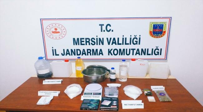 Mersin'de sentetik uyuşturucu üretip sattıkları iddiasıyla 4 zanlı yakalandı