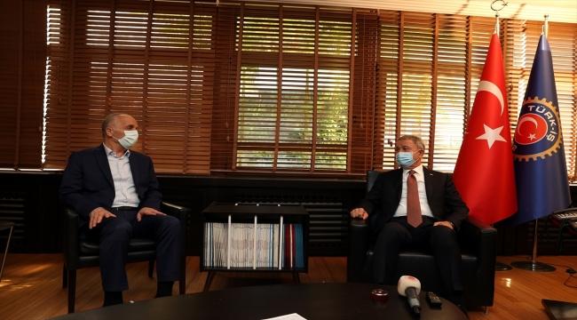 Milli Savunma Bakanı Akar, Türk-İş Genel Başkanı Atalay'ı ziyaret etti