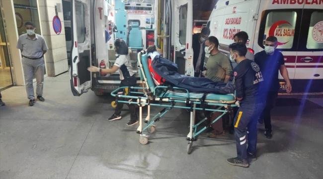 Siirt'te süt sağımından dönen köylüleri taşıyan tarım aracı devrildi: 9 yaralı
